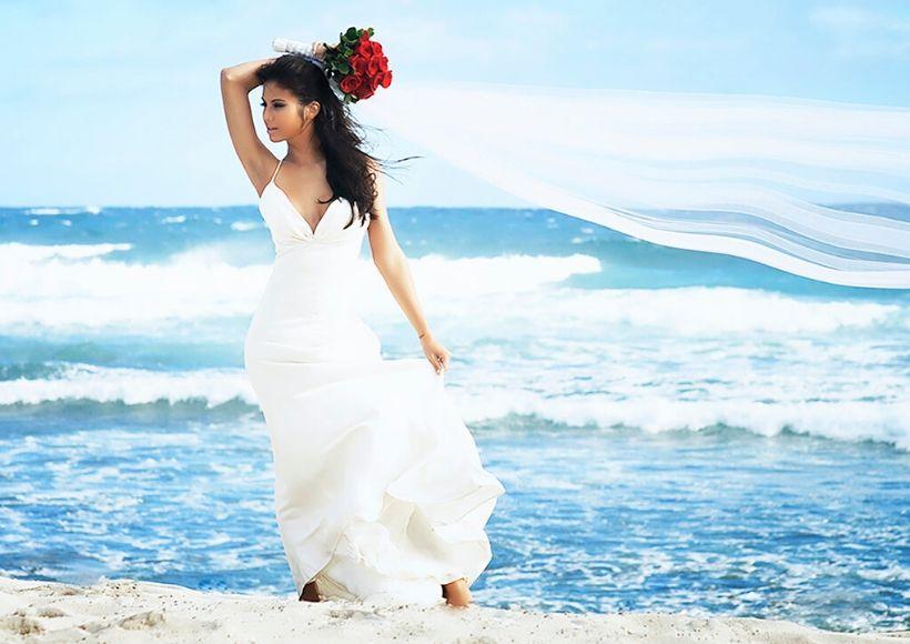 Most Beautiful Wedding Dresses For A Beach Wedding Ismart Fashions
