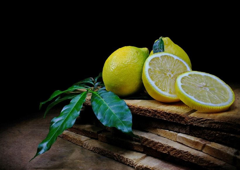 Lemon, To Hydrate And Exfoliate The Skin