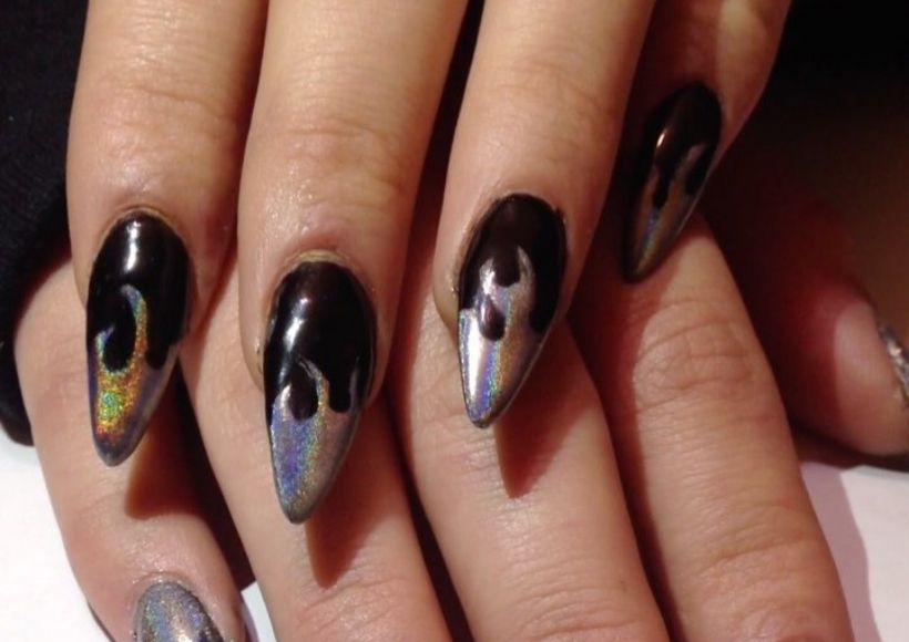 holographic nail.