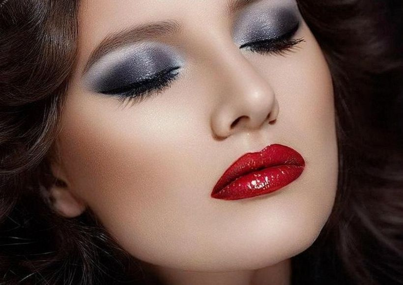 How To Apply Red Lipstick To Increase Its Duration