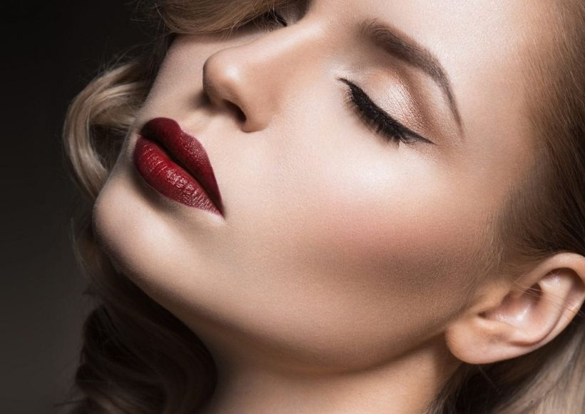 Tips To Makeup Thin Lips